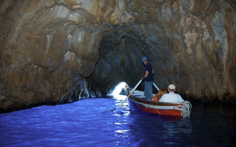 grotta-azzurra-capri-interno